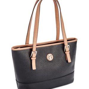 Gianni Bernini purse: multiple compartments!